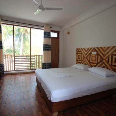 Seena-Inn-Maldives-Room-2-6